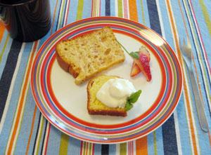 ふんわり苺シフォン・ゆずケーキ+柚子チーズに、いちご♪