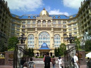 tokyo disneyland hotel1