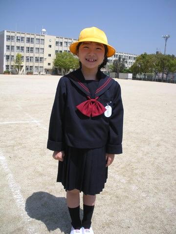 日菜小学校入学式5