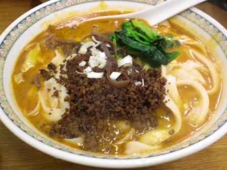 華隆餐館で久しぶりの刀削麺