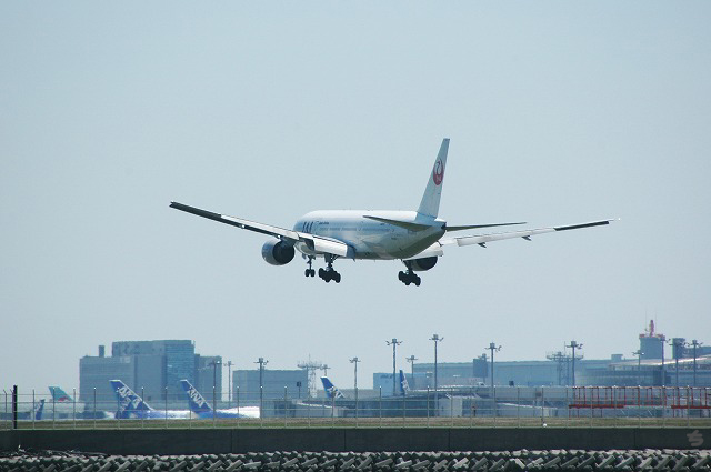 JAL04