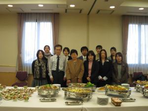 講演後の立食懇談会
