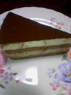 わきゃわきゃしてる丸ちゃんにはあえてシンプルなケーキを・・・v