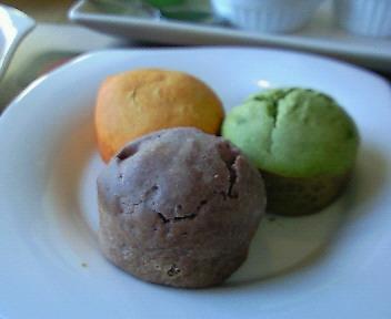 +¥300で食べ放題@ペシュー