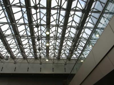 東病院トラス屋根