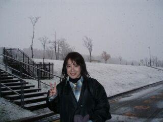 20061112北海道雪の中の直美