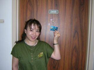 2010直美・ハワイ到着日部屋前
