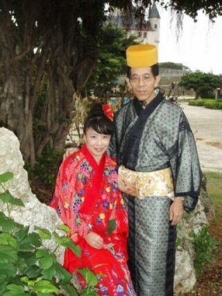 琉球衣装のふたり