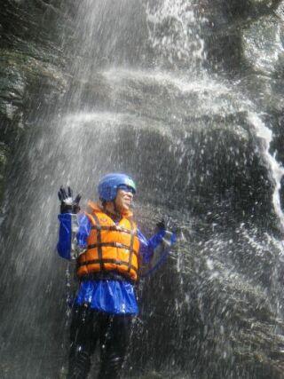 ラフティング滝打たれ20110609