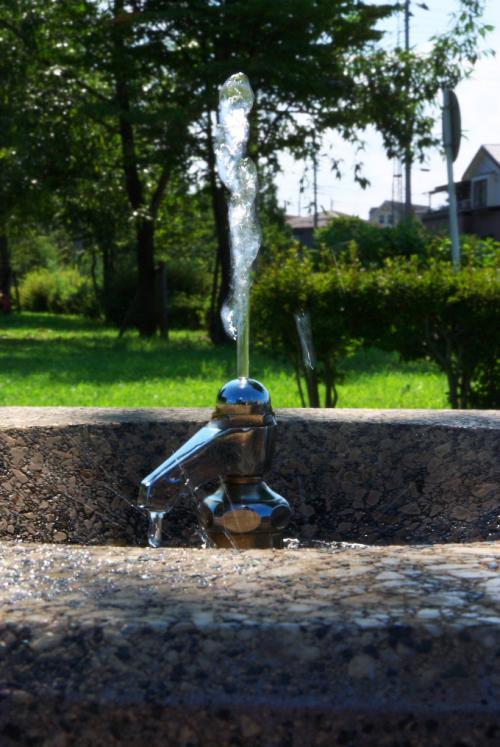 立形水飲水栓