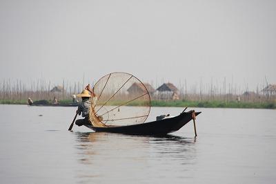 伝統的銛漁
