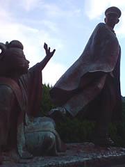 金色夜叉の銅像