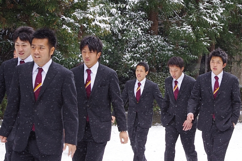 小関選手、伊志嶺選手、西田選手、川口選手、阿部選手、勧野選手