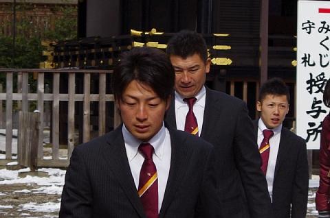 美馬選手、三輪コーチ、内村選手