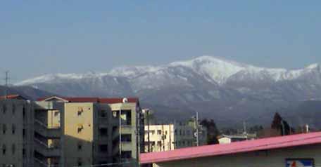 春のおっぱい山02