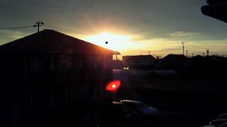 朝陽とともに