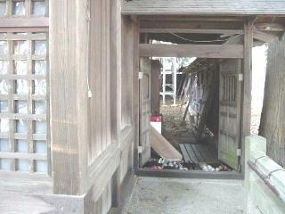 旧拝殿玄関