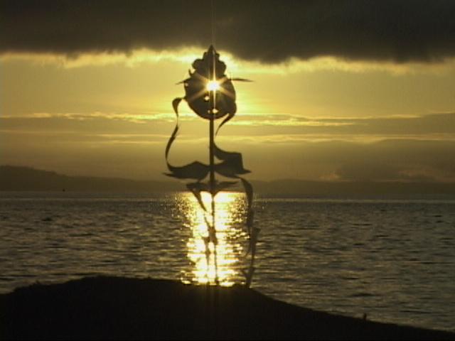 バンクーバー島の日の出と御幣
