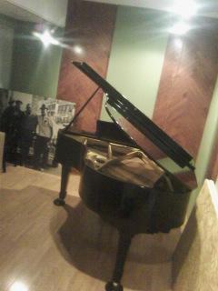 グランドピアノ4