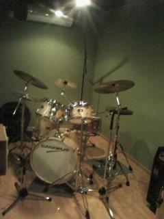 ドラムブース1