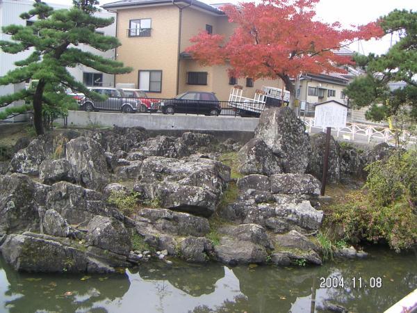 沖の石:人こそ知らね乾く間もなし