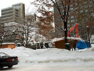 雪像制作中
