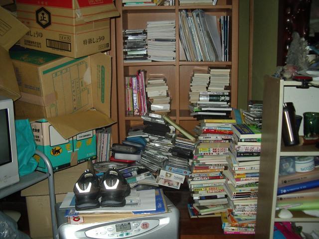 本棚と収納できない本