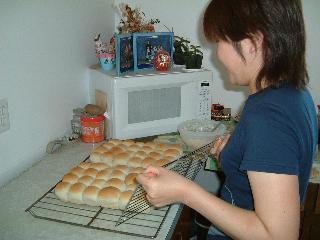 トモコさんロールパン作り