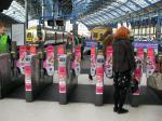 イギリス 駅改札
