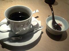 手作り杏仁豆腐とコーヒー