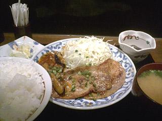 豚ロースの味噌漬け焼きとマーボー茄子定食
