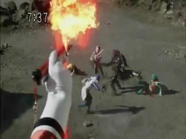 Samurai Sentai Shinkenger ep48 1.avi_000281514