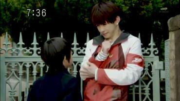 Tensou Sentai Goseiger ep2 1.avi_000217383
