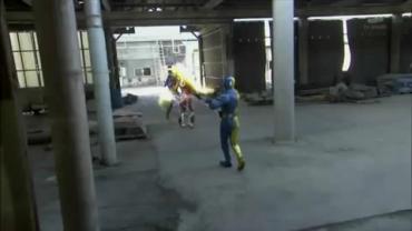 Kamen Rider Double ep23 3.avi_000450116