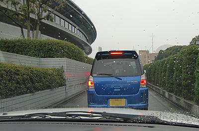 広島グリーンアリーナ駐車場入口