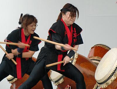小早川水軍太鼓-息がピッタリ