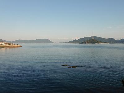パーキングエリア「エデンの海」展望から望む瀬戸内海