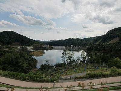 福富ダム「しゃくなげ湖」