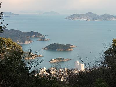 グリーンライン第2展望台から鞆の浦を望む