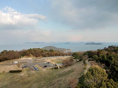 グリーンライン第1展望台から福山港沖を望む