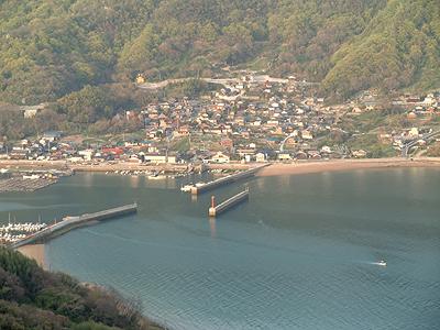 王城・切石山から田島方面を望む