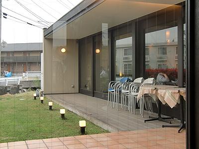 尾道浪漫珈琲東尾道店の中庭風景