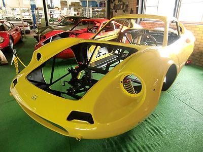 レストア中のフェラーリディーノ246GT