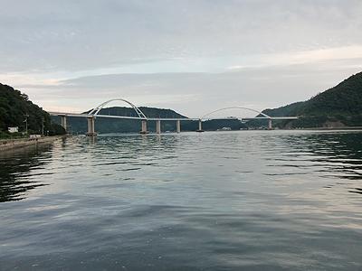 夕方の内海大橋