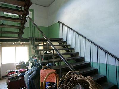 2Fへ上がる階段