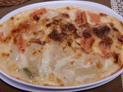 ご飯にシチューをかけてチーズを乗せて焼いたらドリア