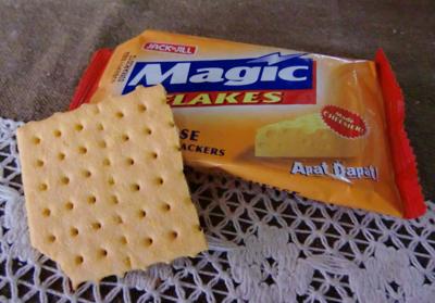 チーズ味のクラッカー
