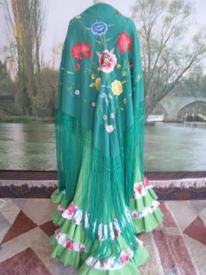 マントンアレグリの衣装1