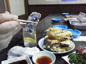 てんこ盛りの野菜天ぷら