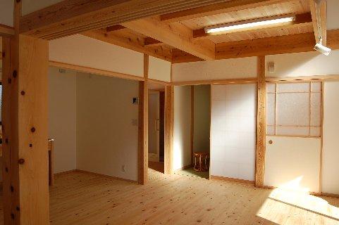 平屋の木の家リビング東